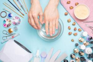 Uleiuri hidratante pentru unghii și mâini